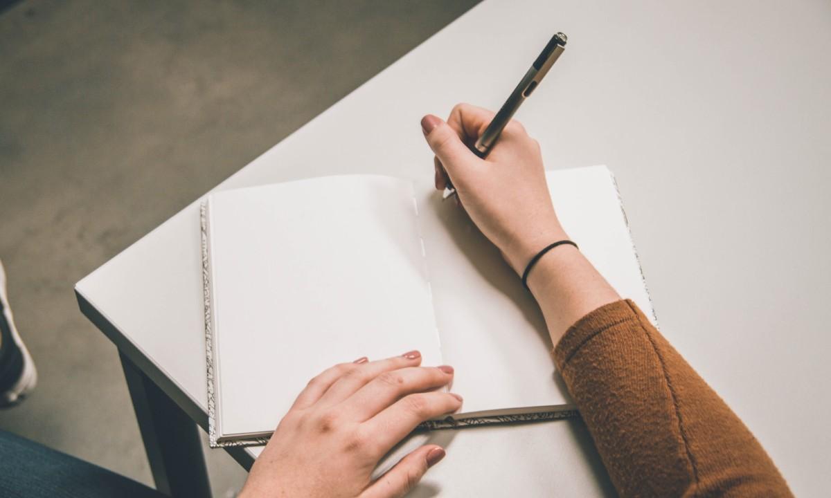 Csapatépítés kreatív írással